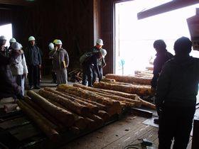 木材工場を見学